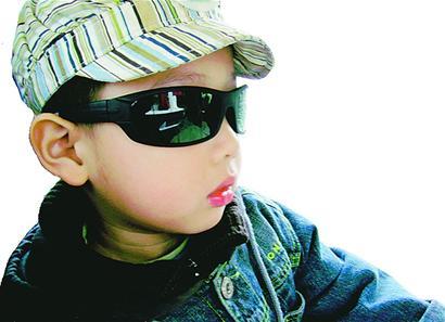 小儿发热时,新陈代谢加快,营养物质的消耗大大增加,体内水分