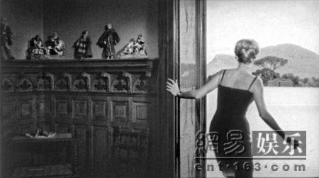 第62届戛纳电影节海报发布 向安东尼奥尼致敬