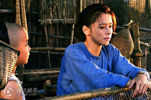 出演片中女主角中国伟大音乐家少年时期冼星海之母,为该片挑起大梁.