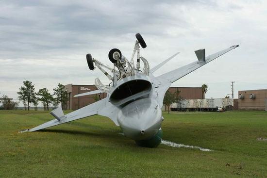史上最离奇的飞机摔跤事故(组图)-飞机,飞行员,空速管