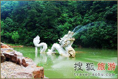 中国宁波网 旅游 自助旅游 正文       白龙潭是杭州的一个新景点.