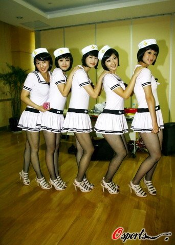 台球宝贝 护士装 超短裙性感撩人(图)-台球,200