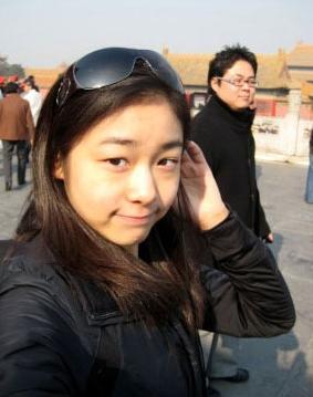金妍儿网上公开素颜照片 不施粉黛清纯靓丽(图)