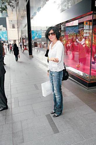 刘嘉玲被问怀孕面露不悦