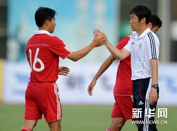 中国足球队4:0大胜塔吉克斯坦队-中国队,塔吉克