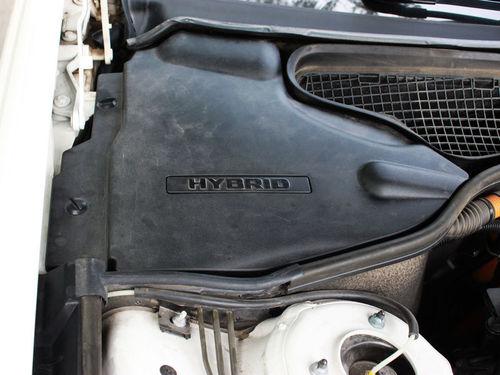 有网络媒体报道了奔驰s400 hybrid车型的电池锂电池设计缺高清图片