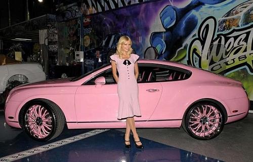 希尔顿 性感美女 写真/最富有芭比粉丝帕丽斯;希尔顿的粉色宾利