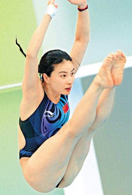 """一边针对跳水""""梦之队""""备战广州亚运会,郭晶晶近况等焦点话题接受了图片"""