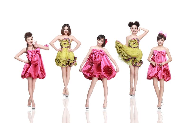 青春美少女组合宣传照出炉五朵靓花绽放 青春