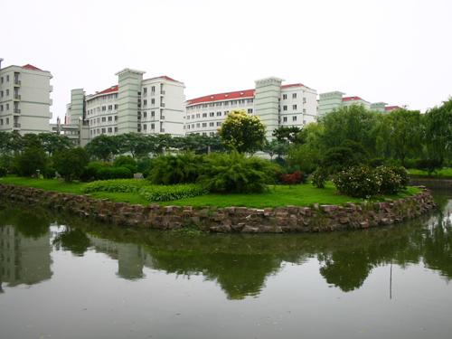 美丽的宁波大学校园