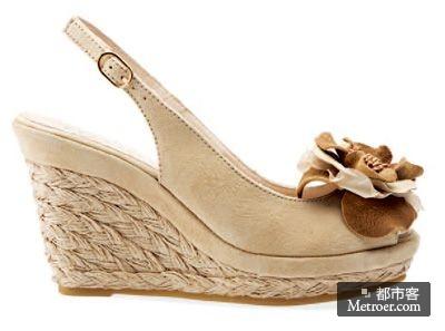 geox立体花朵装饰坡跟凉鞋
