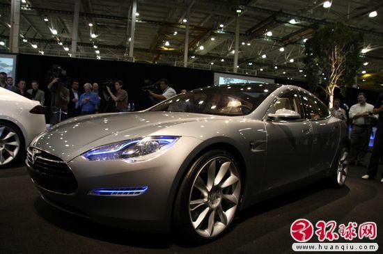 特拉斯全力推新车 Roadster年底将停产高清图片