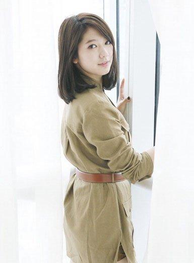淑女内卷中长发-朴信惠示范韩式小清新美发