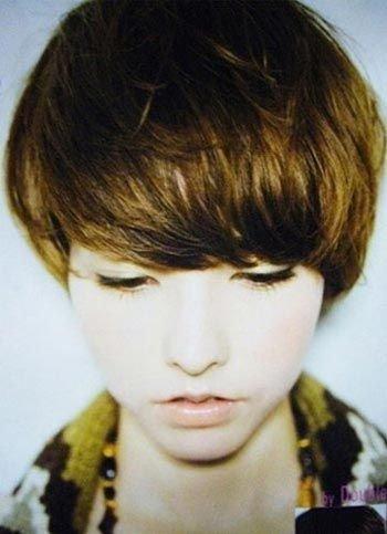 李宇春最新发型 蘑菇头 李宇春发型图片