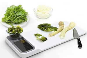 多功能砧板:不仅能切菜 还有电子秤和菜谱