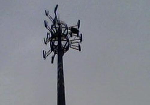信号塔威胁生命安全