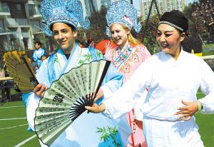 中国文化真精彩-宁波华茂外国语学校,德国中学高中低奶粉挡图片
