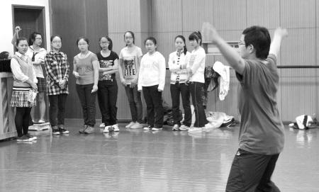 宁波五年一贯制幼师专业招考面试 男生不会跳