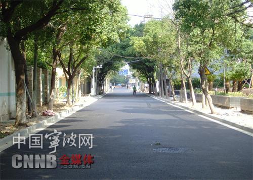 经过前阶段施工整治,文教路市政道路改造部分今天