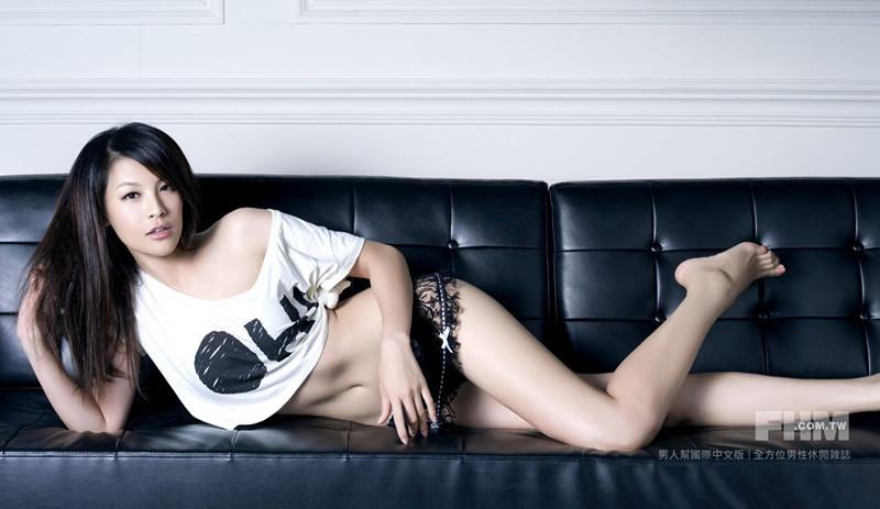 台湾色佬_秘书文件有奶香台湾网游色情广告再惹争议