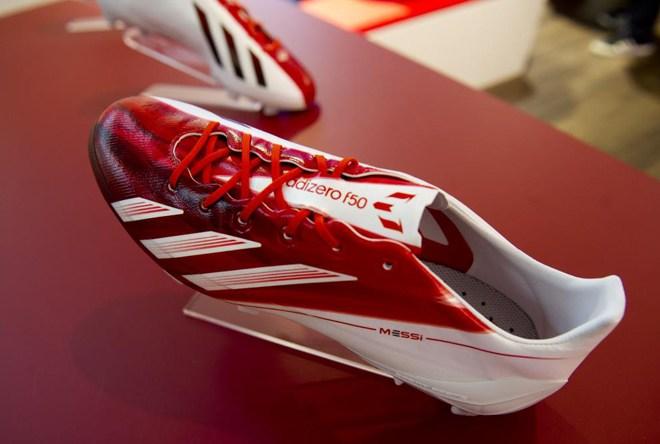梅西无钉球鞋f5图片