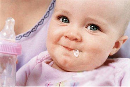 完奶后呕吐千万别摇(图)-宝宝吃,呕吐物,孕妇,横