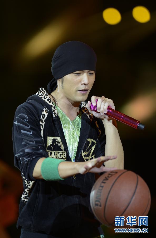明星篮球赛在上海举行