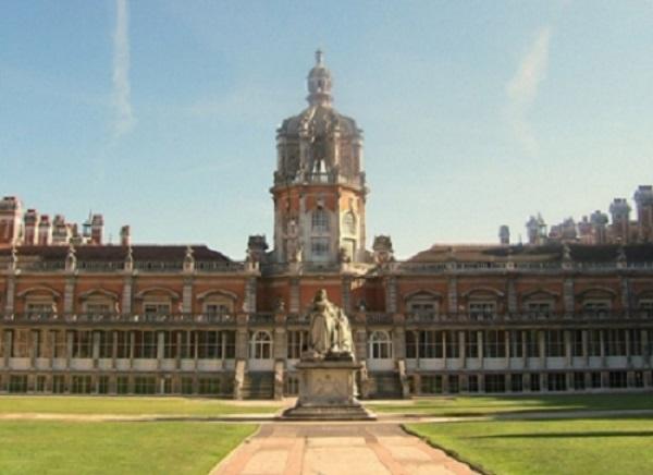 走进英国古老的私立高中 揭秘真正的贵族学校
