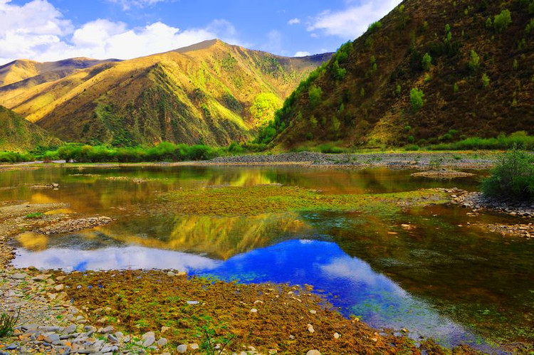 具有江南气息的班玛风景!这样的景色也只有在班玛这样的藏区有了!