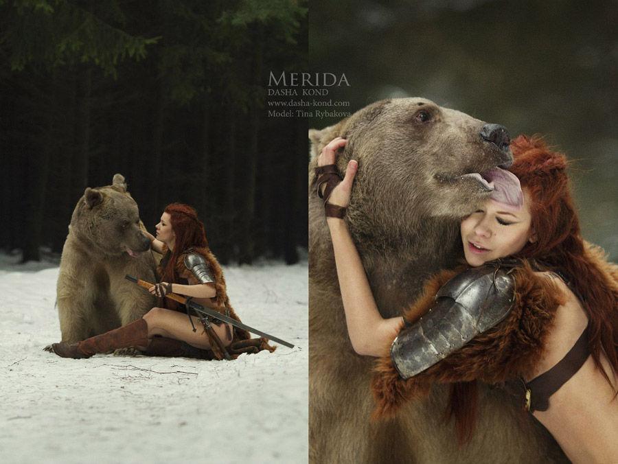 俄罗斯美女假扮驯兽师 雪地里与活熊舌吻 俄罗
