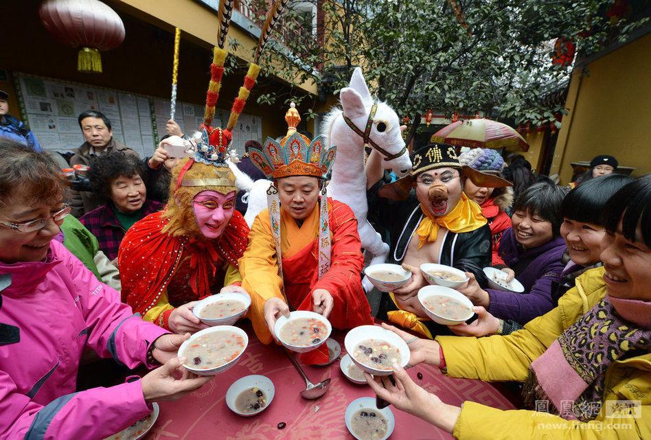 南京玄奘寺:唐僧师徒忙施腊八粥