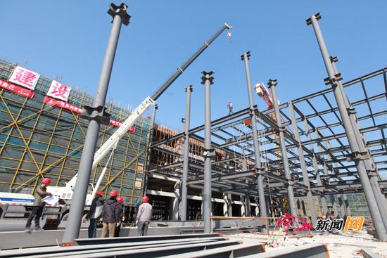 奔驰汽车4s店将在8月投入运行