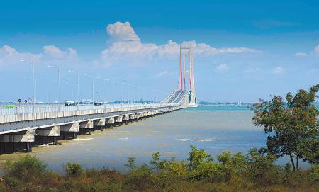泗马大桥见证中国印尼之间互惠互利关系友好发