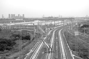 我市实现客货分离、南客北货的铁路运输格局
