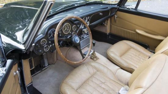 阿斯顿马丁DB5老爷车214万美元拍卖