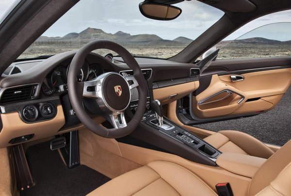 保时捷911 Turbo改款 尾部小改/3.2s破百