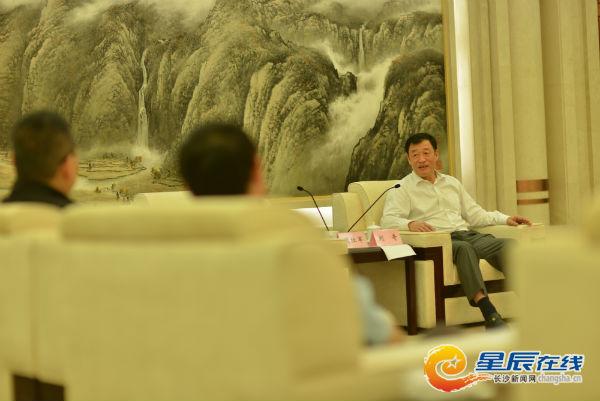 宁波市委书记刘奇:经常要求干部学网知网懂网用网