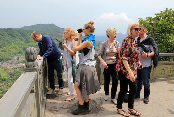 中东欧贵宾赴宁波博物馆,溪口风景区考察