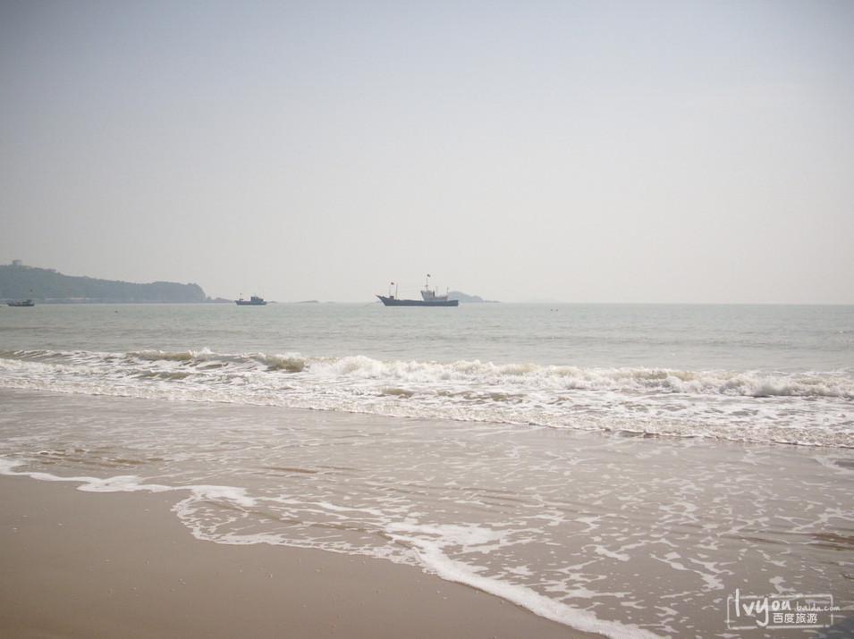 梅山岛是宁波市北仑区境内东南部海中唯一一个海岛乡,东临峙头洋,南