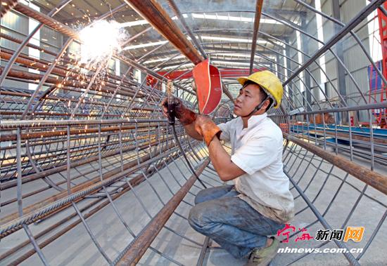 三门湾大桥及接线工程是省规划公路网主骨架