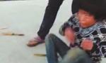 多名男子殴打男童拍视频 警方控制涉事5人