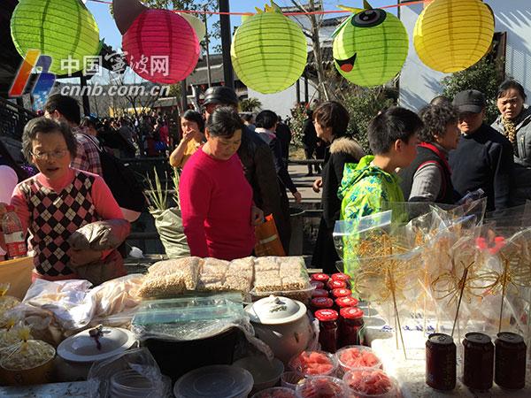 春节期间日均5万人次去鸣鹤古镇找年味