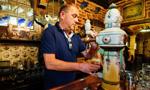 比利时小城建输酒管道 捐款者终身啤酒免费喝
