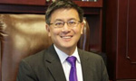 美加州华裔财长江俊辉正式宣布参选州长
