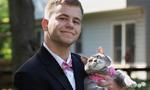 美国单身男带猫咪出席舞会