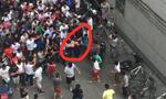 成都体院又有人潜入偷车 遭近百学生围堵