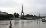 法国多地水灾 塞纳河水位上涨威胁巴黎