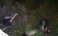 中国游客在泰国骑摩托车撞护栏掉入25米悬崖 1死