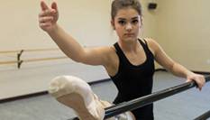 骨癌截肢女孩重回芭蕾舞台