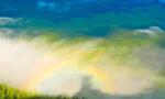 新疆喀纳斯山间现云海佛光奇观